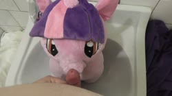 character:twilight_sparkle fetish:watersports male masturbation no_audio pee pee_on_plushie penis quality:1080p sph toy:plushie video // 1920x1080 // 74.8MB