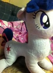 character:twilight_sparkle creator:jin licking male toy:plushie // 403x558 // 69.2KB