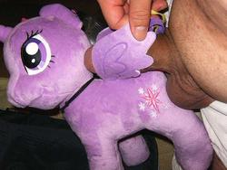 character:twilight_sparkle grinding male penis toy:plushie // 640x480 // 53.6KB