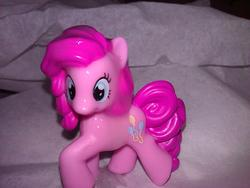 character:pinkie_pie cum cum_on_toy toy:blindbag // 1280x960 // 211.0KB