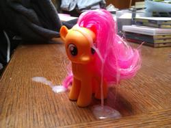 character:scootaloo cum cum_on_toy toy:brushable // 2559x1919 // 508.2KB
