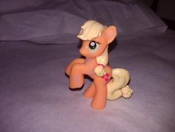 character:applejack cum cum_on_toy toy:blindbag // 1280x960 // 196.3KB