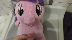 character:twilight_sparkle cum cum_on_plushie fetish:watersports male masturbation no_audio pee pee_on_plushie penis quality:1080p sph toy:plushie video // 1920x1080 // 22.7MB