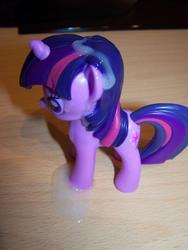 character:twilight_sparkle cum cum_on_toy toy:burger_king // 620x824 // 112.6KB