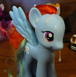 character:rainbow_dash cum cum_on_toy toy:brushable // 856x862 // 627.9KB