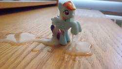 character:rainbow_dash cum cum_on_toy toy:blindbag // 4320x2432 // 1.6MB